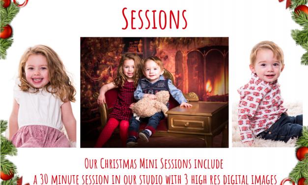 Christmas Mini Sessions | Christmas Photo Shoot
