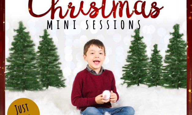 Christmas Mini Sessions 2019 | Christmas Photo Shoot